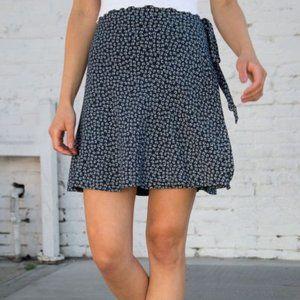 Brandy Melville Navy & White Wrap Skirt